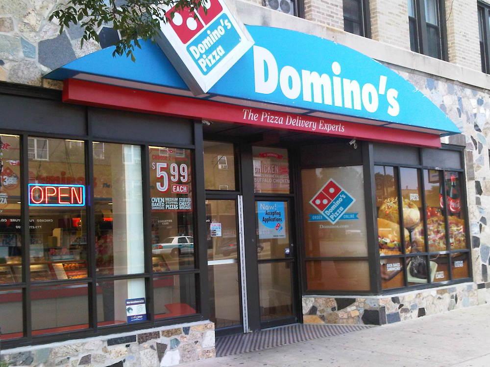 Bot společnosti Domino's Pizza odpovídá na telefonní objednávky
