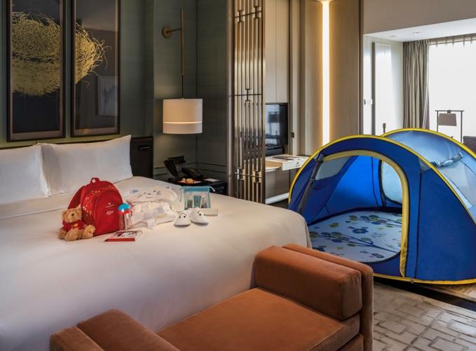Waldorf Astoria a Hamleys vytvořily zážitkový pokoj pro děti