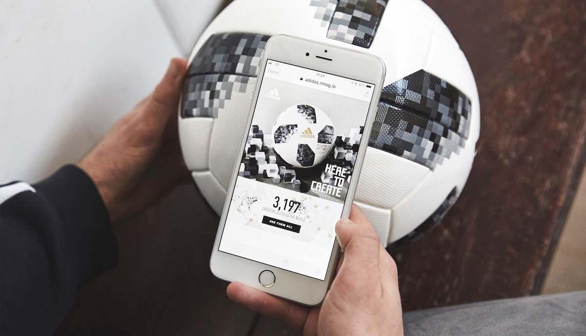 Adidas nabízí fanouškům přístup k exkluzivnímu obsahu pomocí NFC čipu v míči
