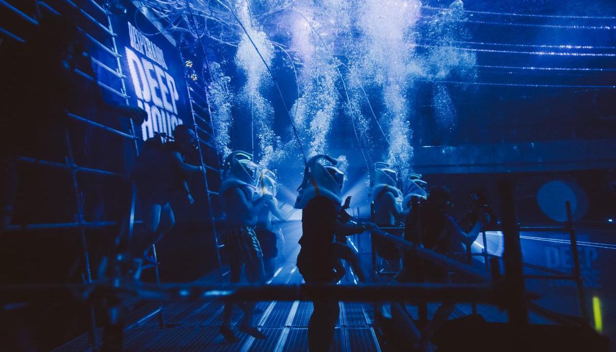 Značka Desperados vytvořila nejhlubší taneční parket a podvodní párty