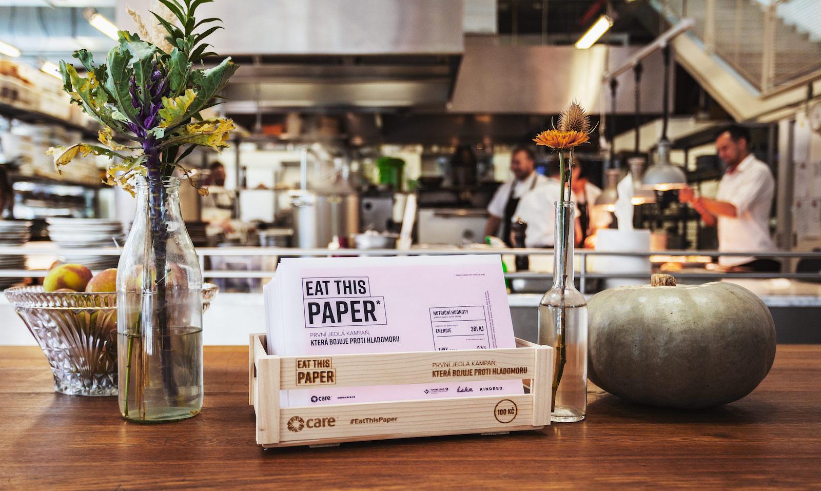 Kampaň zjedlého papíru bojuje proti hladomoru