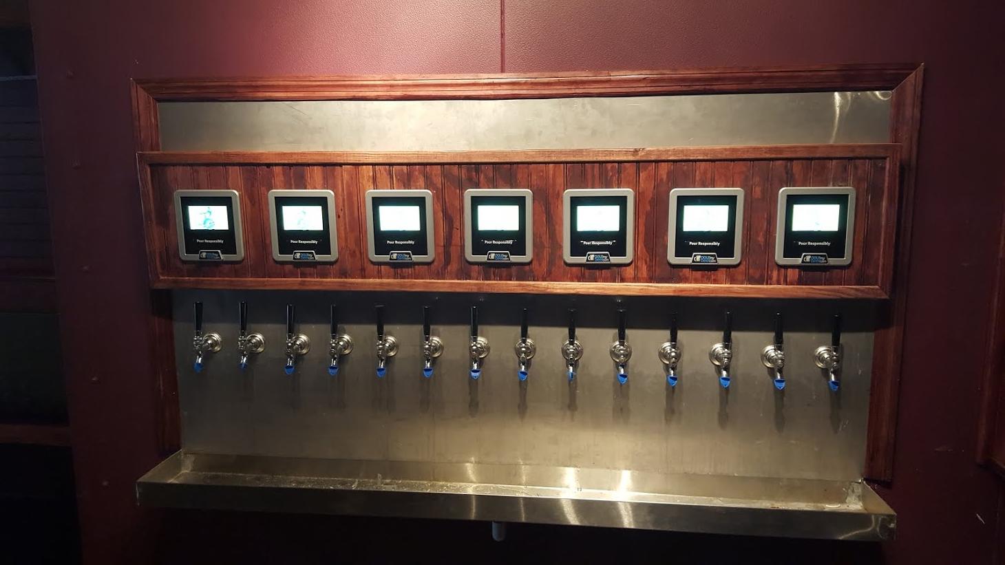 Barový systém PourMyBeer nabízí zákazníkům načepovat si vlastní pivo