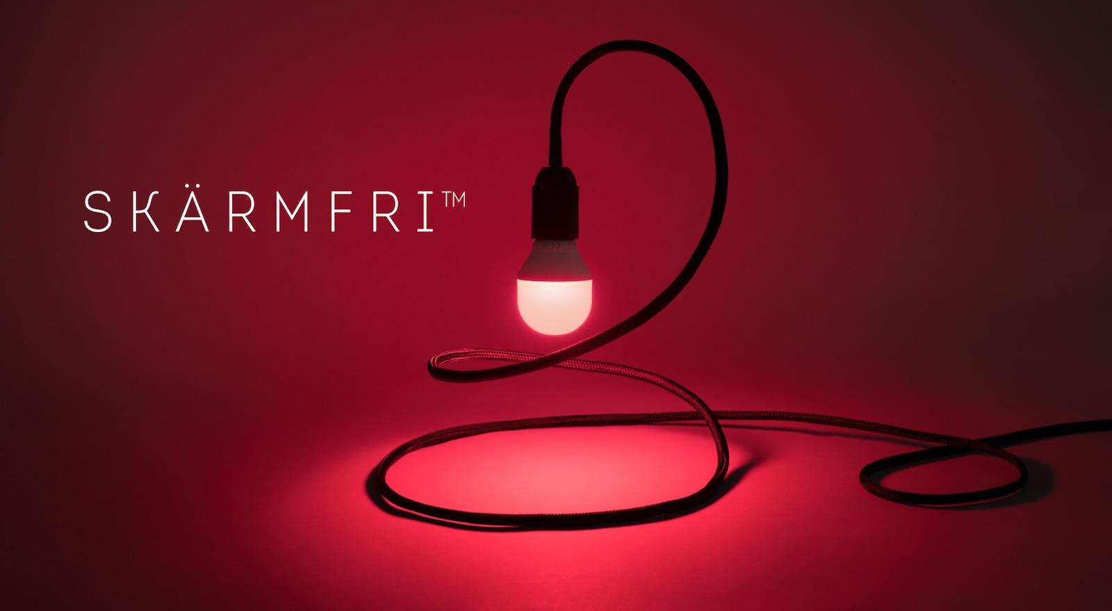 Lampa Skärmfri se rozsvítí v případě, když rodina tráví příliš času u obrazovek