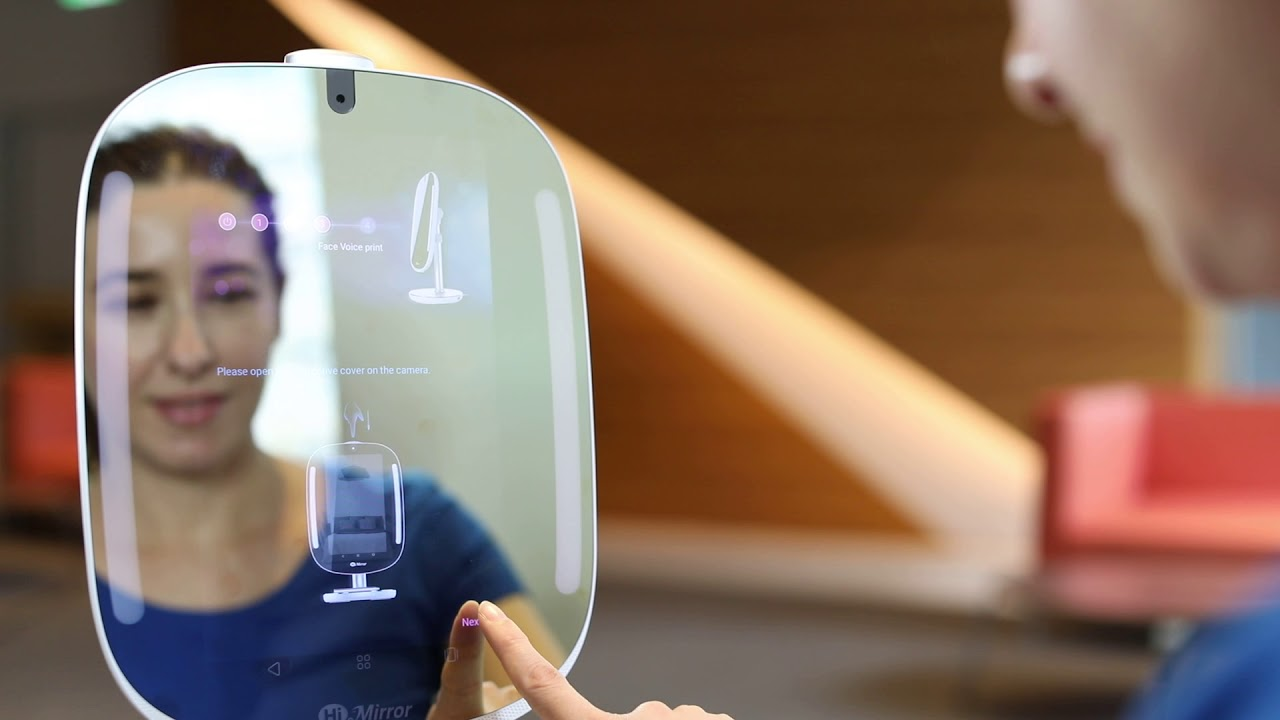 Chytré zrcadlo doporučuje produkty podle typu pleti uživatele