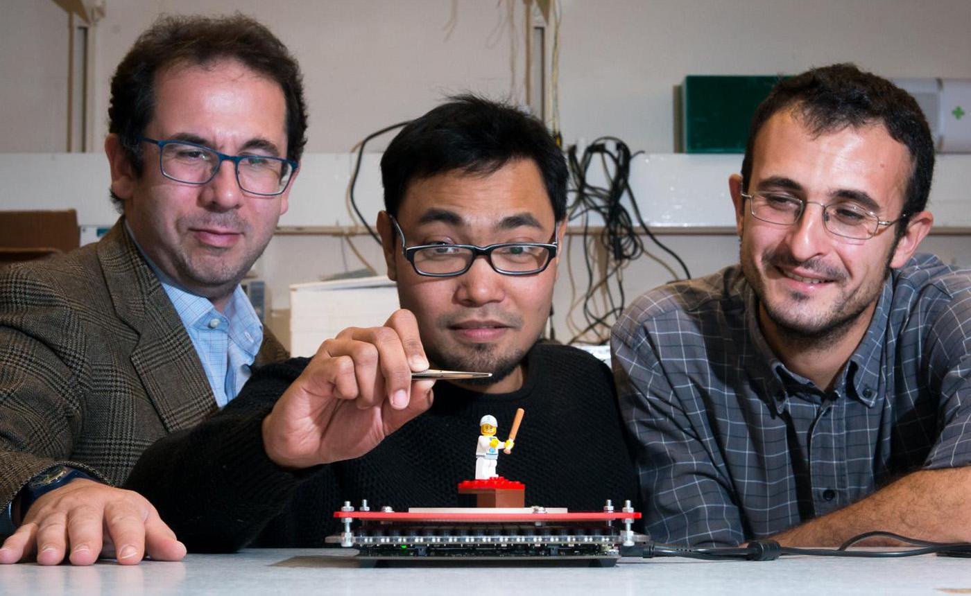 SoundBender umožňuje levitaci předmětů pomocí ultrazvuku i kolem překážek