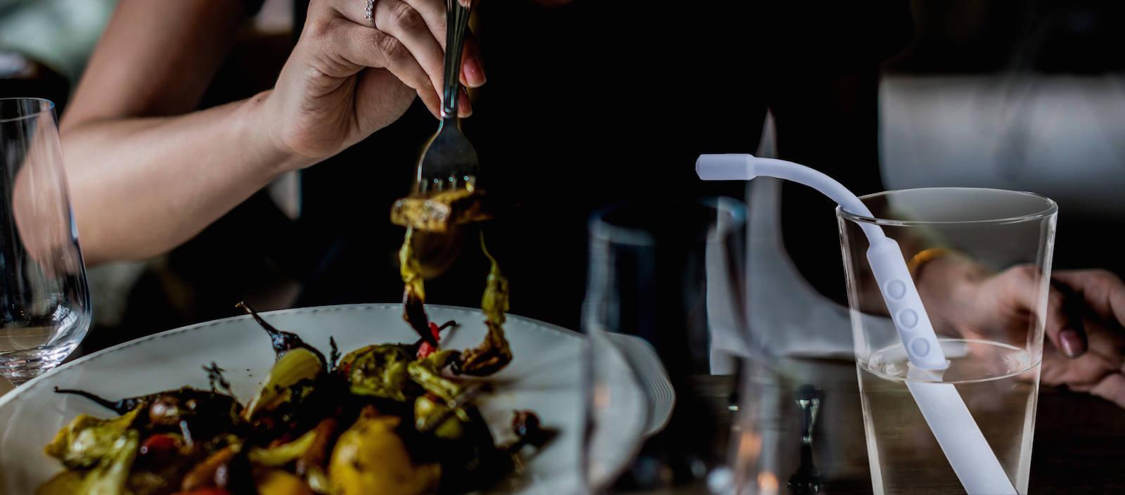 Speciální brčko Zen Eating pomáhá vytvářet lepší stravovací návyky