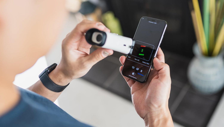 EyeQue přišla s nástrojem na domácí měření zraku