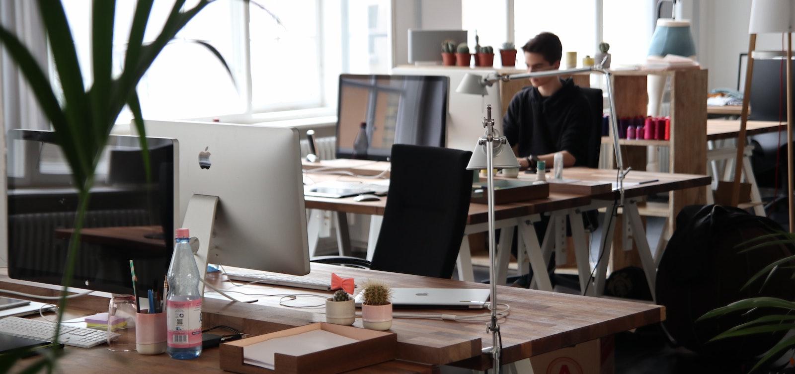 """Aplikace Unipos povzbuzuje zaměstnance k tomu, aby """"oceňovali"""" své kolegy za dobře odvedenou práci"""