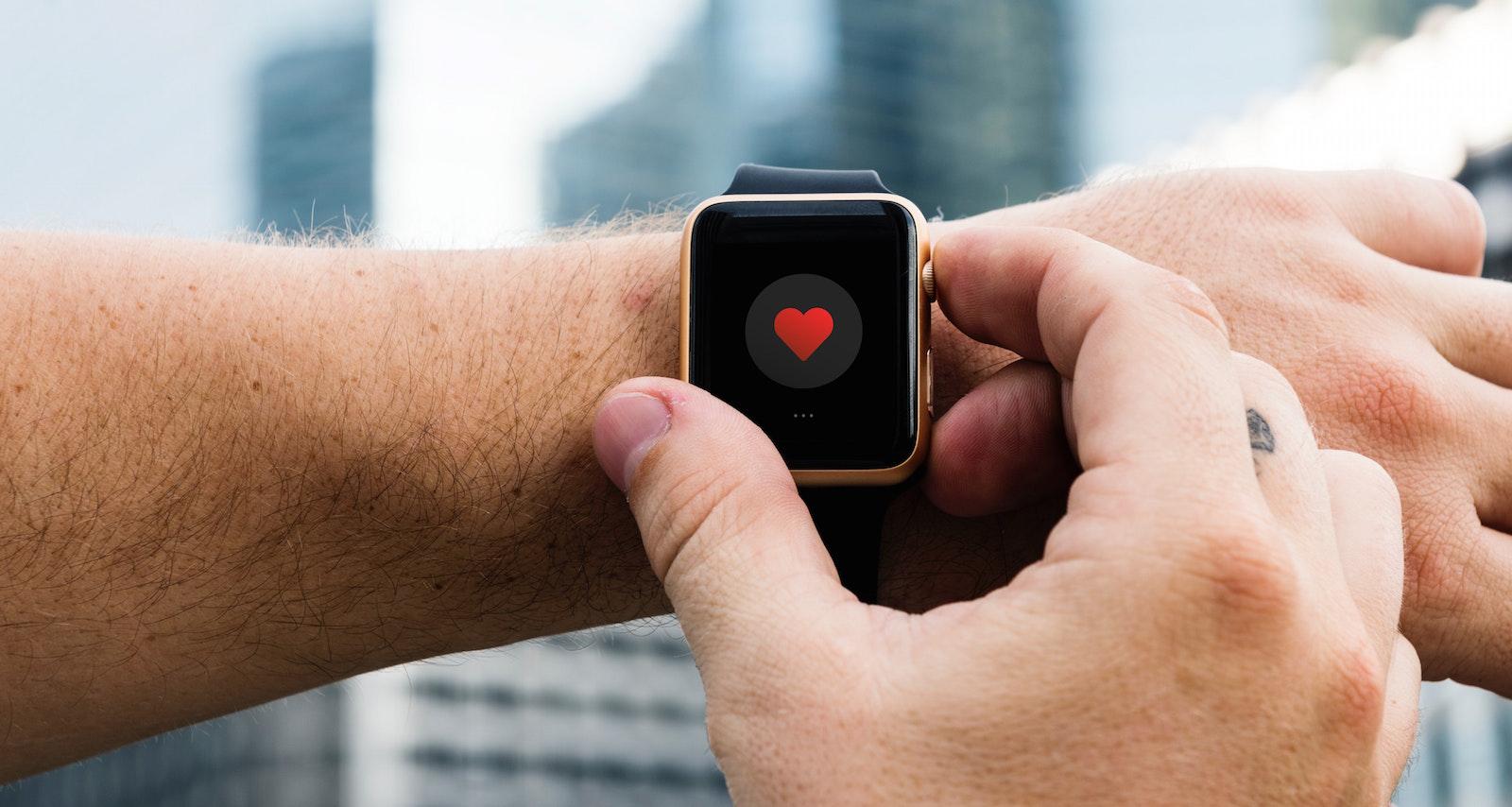 Nositelná technologie by v budoucnu mohla pomáhat při prevenci sebevražd