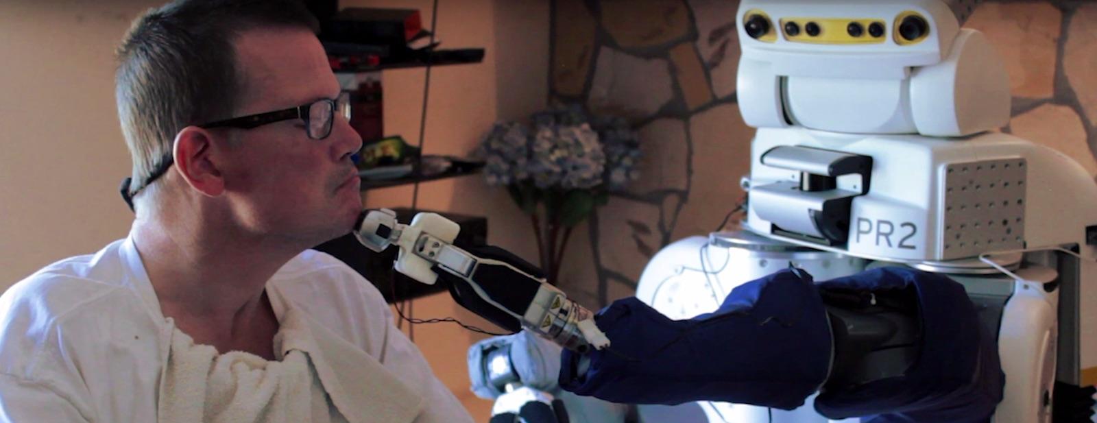 Osoby se zdravotním postižením mohou ovládat robota pomocí rozšířené reality