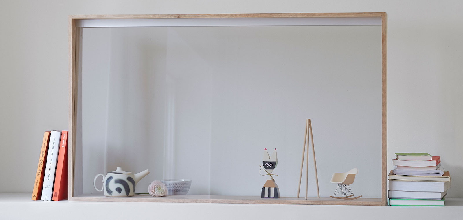 Panasonic vyvinul transparentní, integrovanou televizní obrazovku