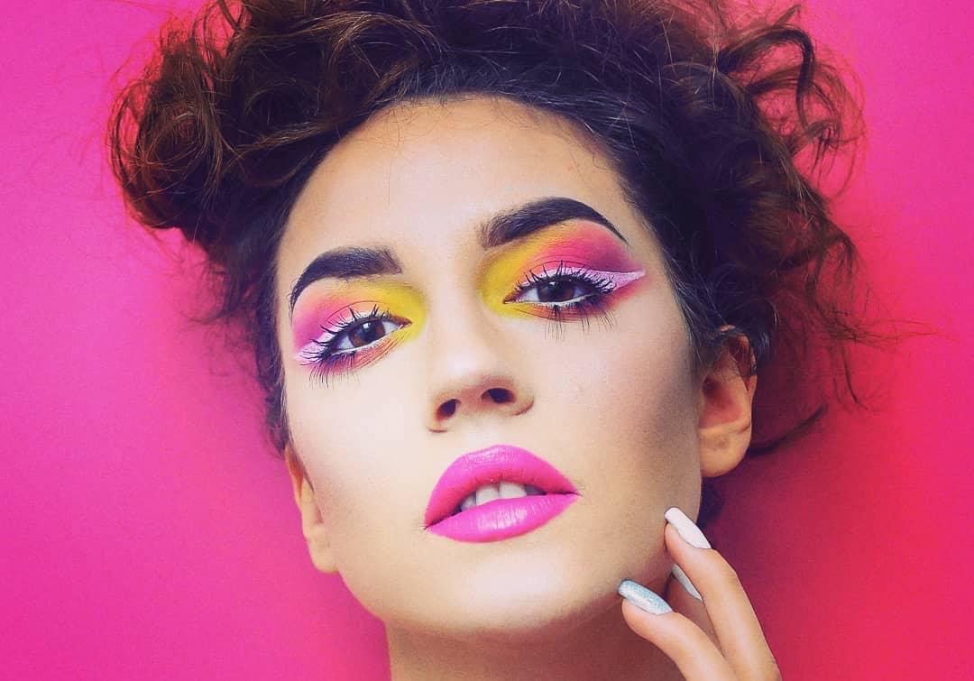 Acarrier je make-up, který chrání ženy před útokem kyselinou