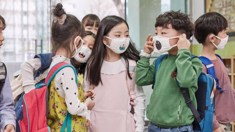 Tyto zábavné masky přesvědčily děti k jejich nošení kvůli znečištění ovzduší