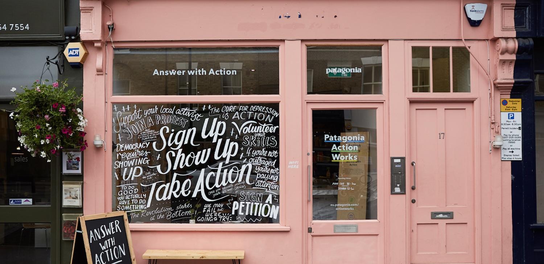 Patagonia otevřela pop-up kavárnu nabízející výcvikové kurzy pro aktivisty