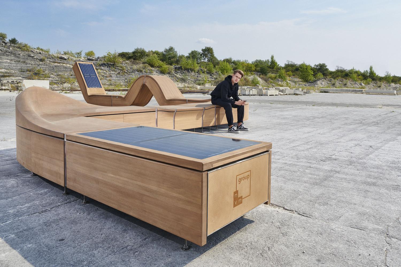 Outdoorový nábytek od společnosti Hellowood umí generovat čistou energii